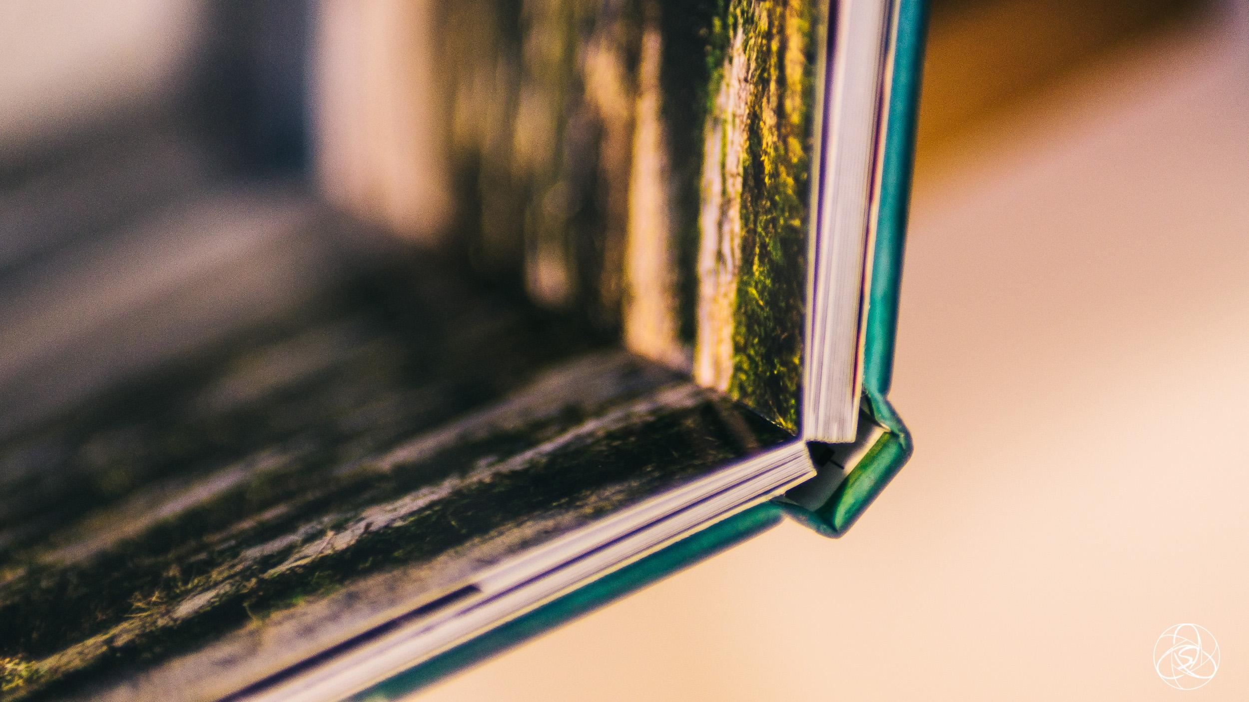 Der Standardeinband ist dick und stabil. Das Buch macht einen sehr wertigen Eindruck.